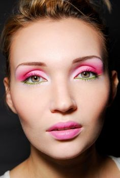 Pretty pink and green eye look
