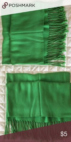 ♥️Emerald Green Scarf/Shawl Women's emerald green large sized scarf/shawl. Non-smoking environment. SALE: Items marked with a ♥️ are 3 for $10!  (Or 2 for $8) Bundle 3 ♥️'s, offer $10, and I'll accept :) Accessories Scarves & Wraps