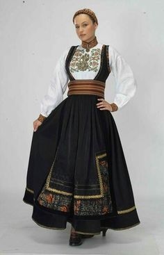 """""""Beltestakk"""" from Øst-Telemark, Telemark, Norway. This bunad have many variations. You have a lot of different choices in this buand and almost no one have the excact same model Folk Fashion, Ethnic Fashion, Womens Fashion, Folk Clothing, Historical Clothing, Norwegian Clothing, Scandinavian Fashion, Folk Costume, Traditional Dresses"""