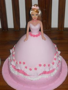 Cake Design Torta Barbie : 1000+ images about torte barbie on Pinterest Doll Cakes ...