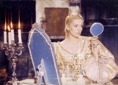 Catherine Deneuve dans Peau d'âne.