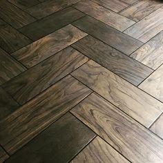 faux wood tile in a master bath, my new favourite thing  #daltile #blackgrout #fauxwood #woodgrain #tileaddiction #herringbonefloor #masterbath #bathroom #bathroomdecor #design #designer #brown #chocolatebrown #beachhouse
