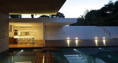 Bunker House. Projeto: Estudio Botteri - Connell. Localização: La Plata, Buenos Aires, Argentina.  Foto: Gustavo Sosa Pinilla.