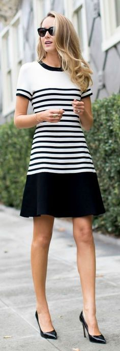 sporty black & white striped dress + black pumps ..