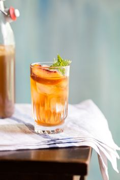 peach iced tea {Jelly Toast} | Emily Caruso