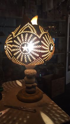 Pyrography Patterns, Gourd Lamp, Coconuts, Shell Crafts, Gourds, Decoration, Wood Art, Wood Crafts, Craft Projects