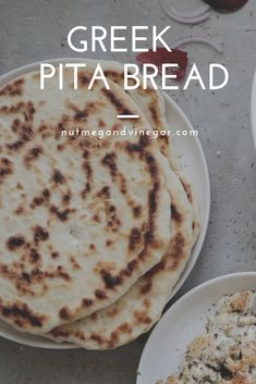 Simple recipe to make your own traditional homemade Greek pita bread. Perfect with souvlaki, gyros or a Greek salad. Easy Bread Recipes, Cooking Recipes, Amish Recipes, Dutch Recipes, Homemade Pita Bread, Greek Flat Bread Recipe, Vegan Pita Bread Recipe, Healthy Pita Bread, Greek Pita Bread