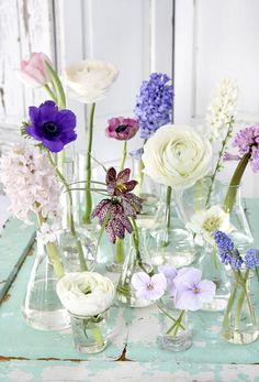 A flower shower on the table - # flower shower # table .- A flower shower on the table – # flower shower # the table # on - Winter Flower Arrangements, Beautiful Flower Arrangements, Floral Arrangements, Beautiful Flowers, Decoration Evenementielle, Flower Decorations, Wedding Decorations, Table Decorations, Diy Wedding Flowers