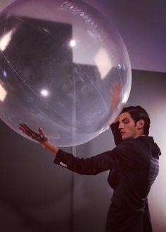 Chris y su burbuja en #EstadosDeConciencia  ph: Silvina Frydlewsky