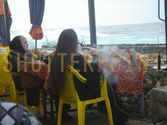 Lebanese women smoking hookah - Stock Photo