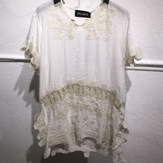 Campesino Top white with beige embroidered A light top with embroidery detailing Style Mafia Tops