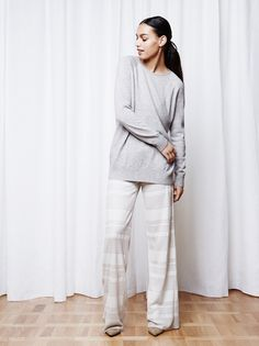 Soft Goat Women's Oversize O-Neck Light Grey