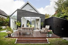 A modern bungalow extension. Exposure Yorkshire are big fans! Bungalow Extensions, House Extensions, Outdoor Spaces, Outdoor Living, Passive House Design, Dark House, Garden Studio, Exterior House Colors, Wooden House