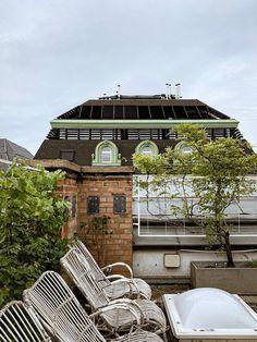 Rooftop terrace in Vienna - what a view. Hier geht's zu meiner Home & Interior Seite. Studios, Home Interior, Big Ben, Cabin, Mansions, House Styles, Instagram, Building, Travel