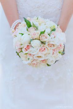 Bouquet classico rose bianche rosa  classical romantic wedding roses bouquet pink white italian bouquet Classical wedding bouquet  www.scattidamore.it