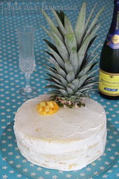Philo aux fourneaux: Naked cake mangue & ananas Baby First Birthday Cake, Camembert Cheese, First Birthdays, Pineapple, Fruit, Food, Mango, Kitchens, Pears