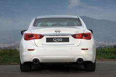 Conheça o que há de melhor no Sedã Q50  Esse carro será equipado com o motor V6 3.7 e possui  um sistemas de segurança como assistente de direção com a tecnologia exclusiva de alerta de mudança de faixa (que percebe o comportamento anormal do motorista que possa indicar sono e faz alerta sonoro)