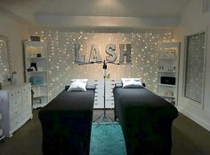 Esthetician Room Ideas Beauty Bar Designing your own lash room is reflective of. - ✨Your own personality - ✨Your own identity - ✨Your own flare Esthetician Room Ideas design estheticians facial room Beauty Room Salon, Hair Salon Interior, Salon Interior Design, Beauty Salons, Eyelash Extensions Salons, Eyelash Salon, Eyelash Regrowth, Eyelash Studio, Ideas De Cabina
