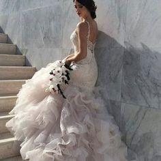 Sneak peak from yesterday's shoot #model #fun #sostella #evamariee #newcollection #bride #sposa
