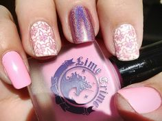 I absolutely am head over heels for EVERYTHING about these nails. Especially the fluer di lys cause that's my symbol!!
