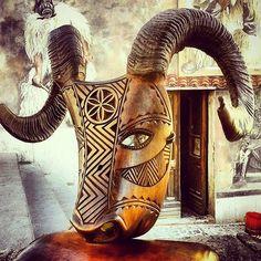 Caratza de Boe Maschera del Carnevale ottanese. Artista: @mascheras