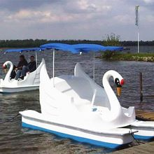 new design 4 people water boat paddle/ Duck /Swan /Flamingo pedal boat,human powered watercraft for sale