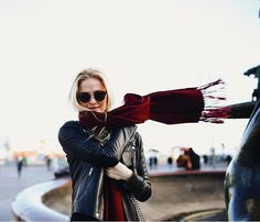 The soft and silky cashmere Highland scarf is the perfect winter accessory. @sofiaruutu / Instagram