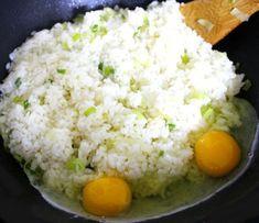 이연복 셰프에게 배운 김치볶음밥 맛있게 만드는 방법 K Food, Food Art, Vegetable Rice, Healthy Lifestyle Tips, Instant Pot Pressure Cooker, Daily Meals, Korean Food, Food Design, Soul Food