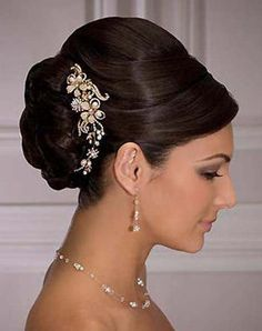 Bumpy French Roll hairstyle for wedding