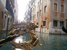ozdoby na gondoli Lion Sculpture, Statue, Art, Art Background, Kunst, Performing Arts, Sculptures, Sculpture, Art Education Resources