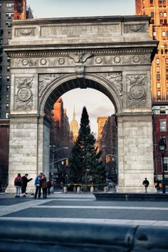 Washington Square Park, NYC is the locally-beloved, world-famous heart of Greenwich Village..... Kur <3