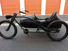 Beachcruiser with sidecar Bicycle Headlight, Motorized Bicycle, Cool Bicycles, Cool Bikes, Velo Tricycle, Bike With Sidecar, Velo Cargo, E Biker, Lowrider Bicycle