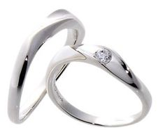 #LoveMarkPH Wave Silver Couple Ring:  Made with 92.5% silver. & 1 piece of 3.0mm cubic zirconia [Item code: lr0025]