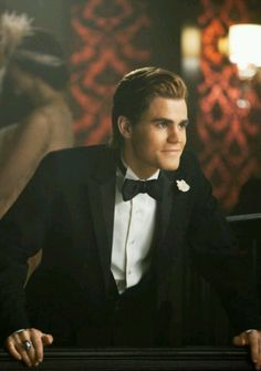 Aaw paul as stefan in the 20s...sooo hot