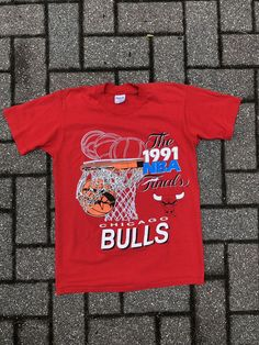 86fa74fce234 Vintage T Shirt Chicago BULLS 1991 NBA Finals Red Mediym  fashion  clothing   shoes