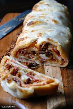 Tortilla Burrito, Pizza Wraps, Pizza Burgers, Yummy Snacks, Lasagna, Quiche, Foodies, Tacos, Pasta
