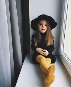 Cute baby girl clothes outfits ideas 76 - TRENDS U NEED TO KNOW girl fashion fashion kids styles swag diva girl outfits girl clothing girls fashion Fashion Kids, Little Girl Fashion, Toddler Fashion, Fashion Fall, Little Girl Style, Style Fashion, Kids Winter Fashion, Fashion Trends, Baby Style