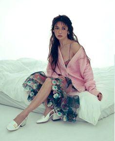 Lorraine, High Fashion Looks, Song Hye Kyo, Beauty Shoot, Jessica Jung, Beautiful Songs, Korean Actresses, Korean Actors, Powerful Women