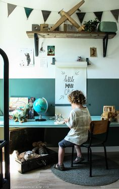 Shelf and half-wall paint. Styling By Woed via Kinderkamerstylist. Chambre Nolan, Half Painted Walls, Deco Kids, Kids Study, Kids Room Design, Kid Spaces, Kidsroom, Kids Decor, Decor Ideas