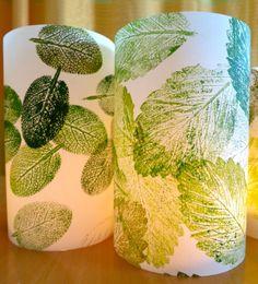 Herbst-Windlicht: Blätterdruck mit Ölfarben auf Aquarellpapier, geölt.