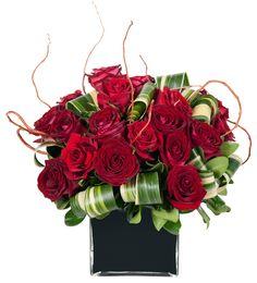 Résultats Google Recherche d'images correspondant à http://blog.bigappleflorist.com/wp-content/uploads/2010/02/valentines-day-flower-symbolism-love1.jpg