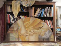 Pittura a rosso d'uovo e terre naturali di un particolare di un affresco di Annibale Carracci a Palazzo Farnese a Roma. Testiera di un letto.