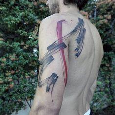 Zusammenfassung Jungs Brush Stroke Arm und Schulter Tattoos