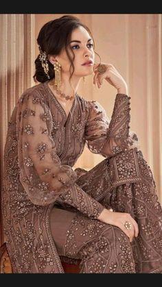Pakistani Formal Dresses, Pakistani Dress Design, Pakistani Outfits, Indian Outfits, Stylish Dresses For Girls, Stylish Dress Designs, Casual Dresses, Unique Dresses, Beautiful Dresses