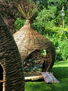 Onion dome by Judith Needham - Ok not a basket but still, I would love to have one of these in my backyard on my deck, just saying.