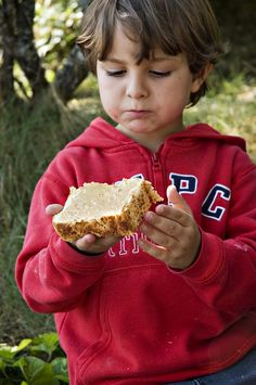 5 easy snacks for hiking kids