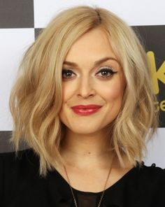 Layered Bob Haircut : Blonde Frisur