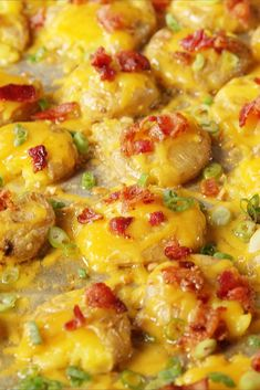 Loaded Smashed Potatoes from Delish Smashed Potatoes Recipe, Oven Roasted Potatoes, How To Cook Potatoes, Cheesy Potatoes, Smash Potatoes, Potato Sides, Potato Side Dishes, Best Side Dishes, Main Dishes
