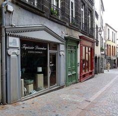 https://flic.kr/p/f3DUZg | Vitrines du temps passé ... | .Clermont-Ferrand, Auvergne, France