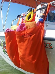 Surfmonkey Marine Storage Organizer Bags are designed of extremely durable fabric that is mold and mildew resistant. Industrial strength velcro is used to keep
